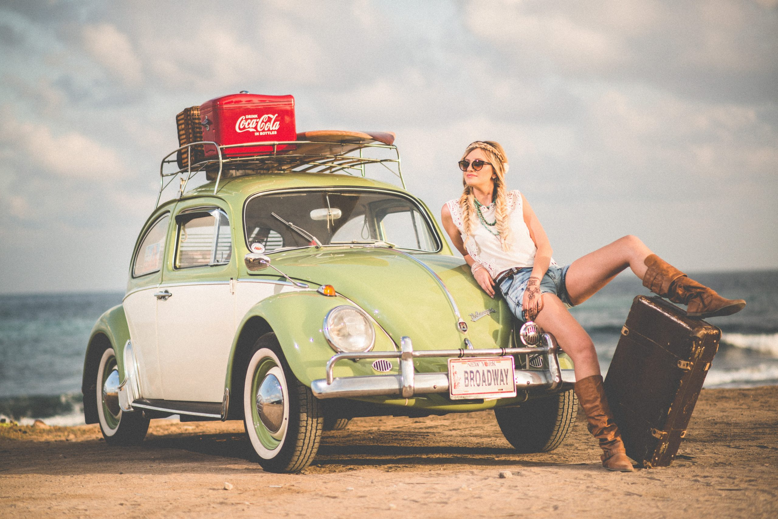 7 Travel Items to Have for Your First Road Trip