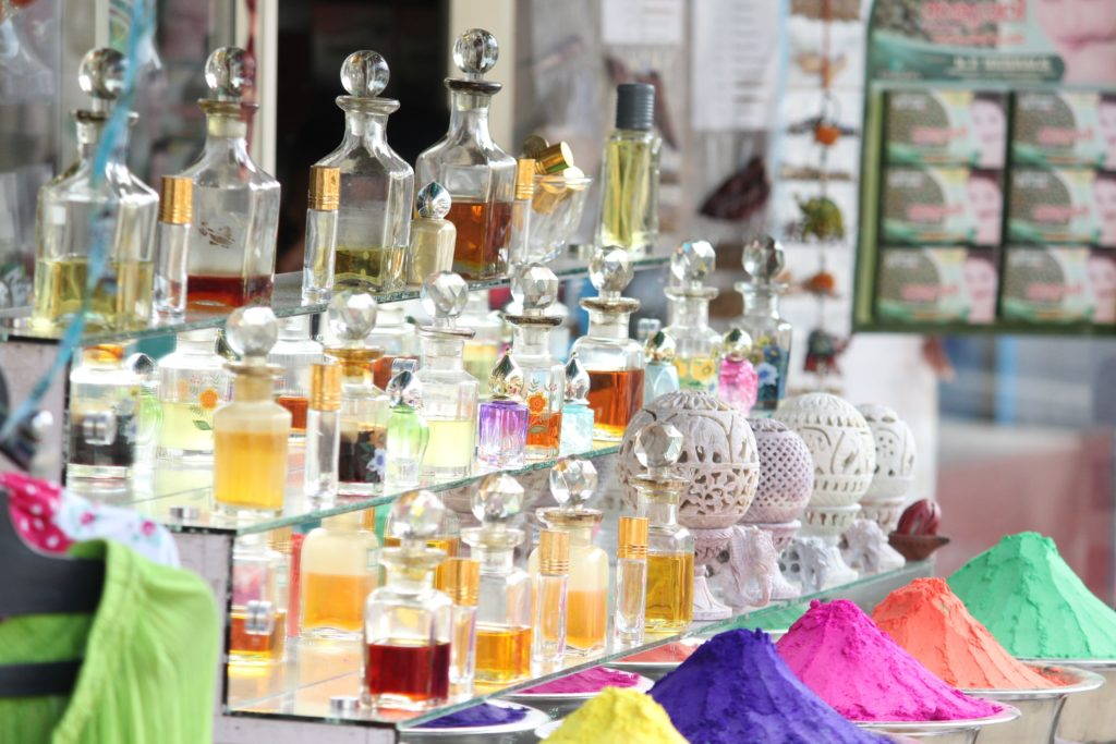 How to Stand Out in the Market by Using Perfume Boxes