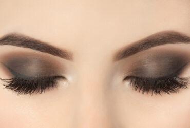 applying eyelash extensions